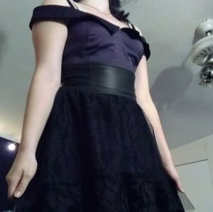 Hot topic prom dress size Medium